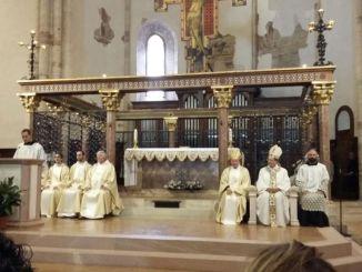 Assisi, in tanti per rendere omaggio a Santa Chiara