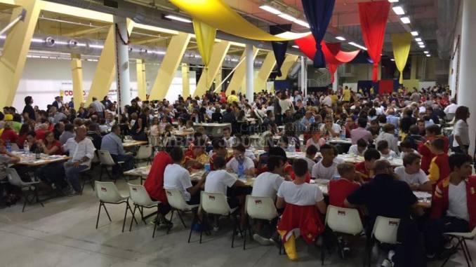 A Cena Co' I Rioni De J'angeli grande successo di gente a Santa Maria degli Angeli