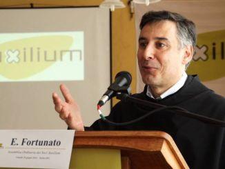 """Padre Enzo Fortunato a Mahmood, """"Vieni ad Assisi, l'Italia non è razzista"""""""