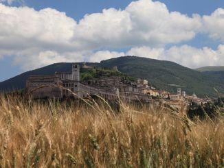Assisi, punto-turismo, prova del 9 con comunicazione nazionale