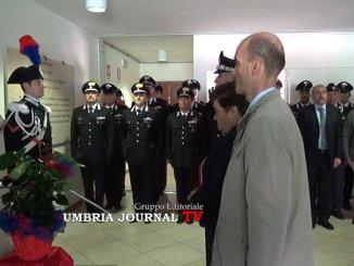 Deposta corona d'alloro nella Compagnia Carabinieri di Assisi intitolata a Renzo Rosati
