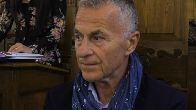 Come fa Claudio Ricci a dimenticarsi che è stato sindaco di Assisi?