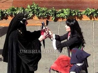 Calendimaggio Assisi, sindaco ha consegnato le Chiavi al Maestro de Campo