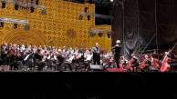 Quattro paesaggi italiani, i Cantori di Assisi rappresentano l'Umbria