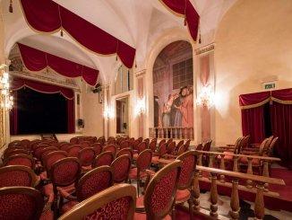 Teatro Sacro I Giullari che fecero sorridere Dio, Piccolo teatro degli instabili
