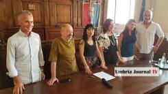 Semantica ad Assisi, social e comunicati su cambio in Giunta