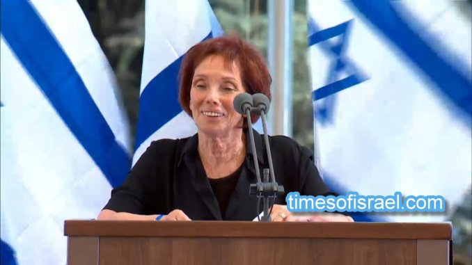 La figlia di Shimon Peres ad Assisi, firma accordo per pace e innovazione