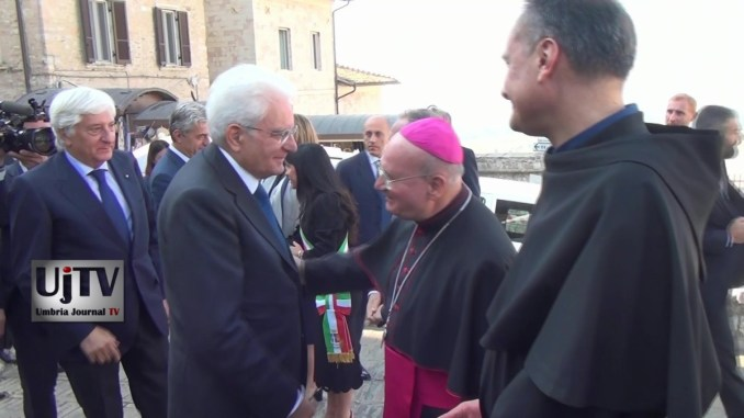 Vescovo Sorrentino ha accolto il presidente della Repubblica Mattarella