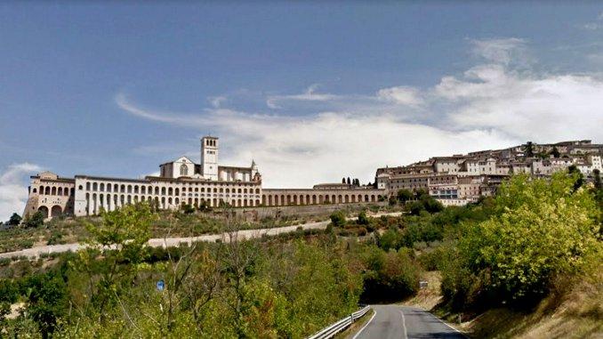 Assisi, festa di San Francesco, è record di numeri, oltre 10 mila pellegrini