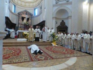 Don Niccolò Crivelli, in tanti all'ordinazione sacerdotale