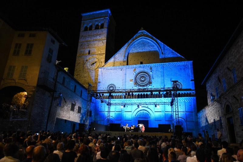 Universo Assisi tutte le arti, dalla musica alla poesia dalla letteratura alla filosofia