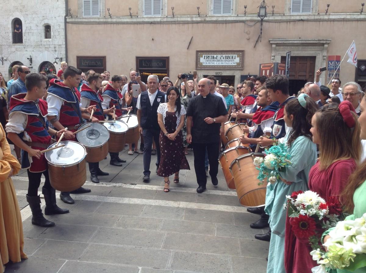 Presentato alla città il Palio di San Rufino tradizione con i Balestrieri