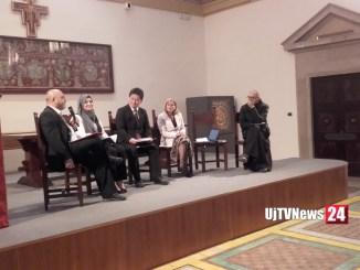 Confronto tra vari esponenti religiosi al Sacro convento di Assisi