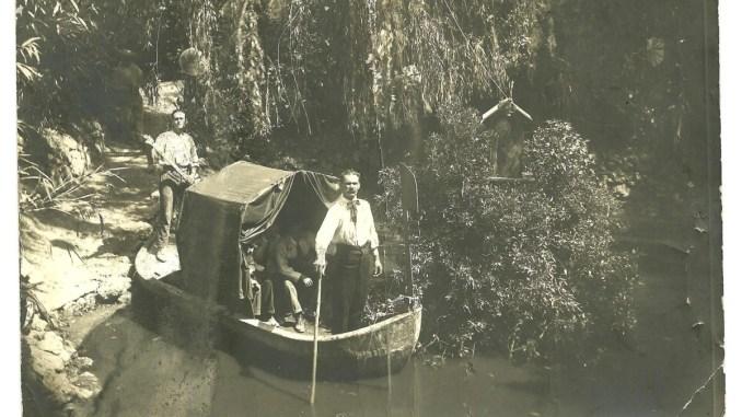 Laghetto del Pincio, una bellissima foto del 1920, lui è Antonio Bellini