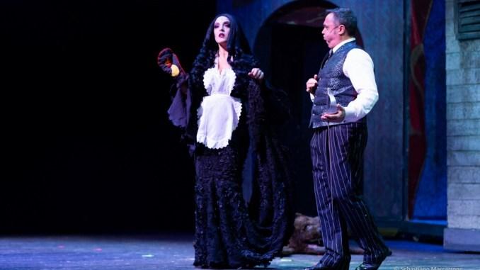 La Famiglia Addams, al Teatro Lyrick il 12 marzo la commedia comunale