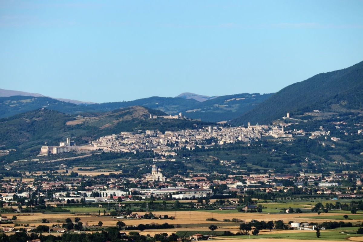Assisi, in visita l'ambasciatore degli Emirati Arabi Uniti, per celebrare la giornata della tolleranza - Assisi Oggi