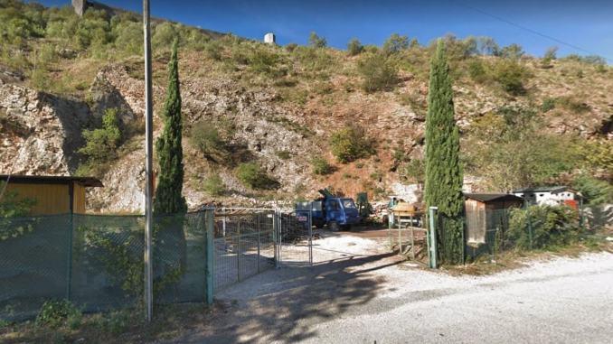Il tunnel di Assisi fa discutere, botta e risposta tra Mario e Antonello