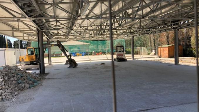 Lavori a Torchiagina, si stanno rifacendo i marciapiedi e nuova sede pro loco