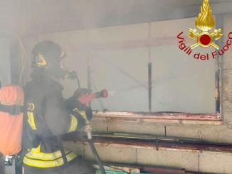 Incendio in annesso agricolo a Castelnuovo di Assisi, nessun intossicato