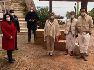 Carolina Cucinelli dona alimentari e abbigliamento a Casa Riposo Andrea Rossi