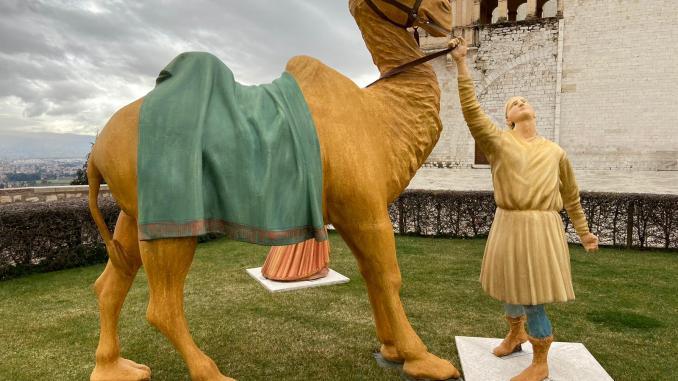 Monte frumentario non merita di ospitare cammelli, armigeri e pecorelle