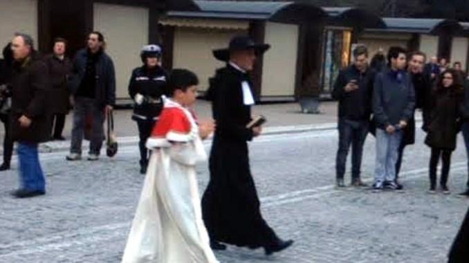 Riapertura strada Basilica, lavoro da fare prima, dicono Lunghi, Bocchini e Bastianini