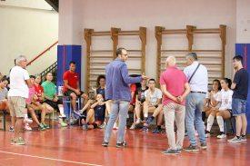 La squadra e il nuovo presidente dell'Assisi Volley