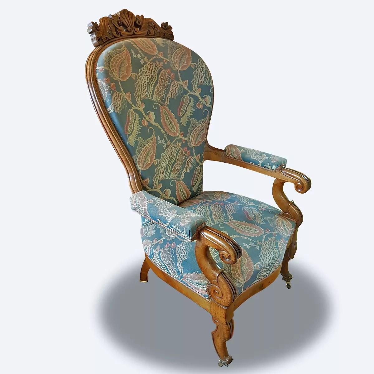 fauteuil louis xiv en noyer et velours de soie