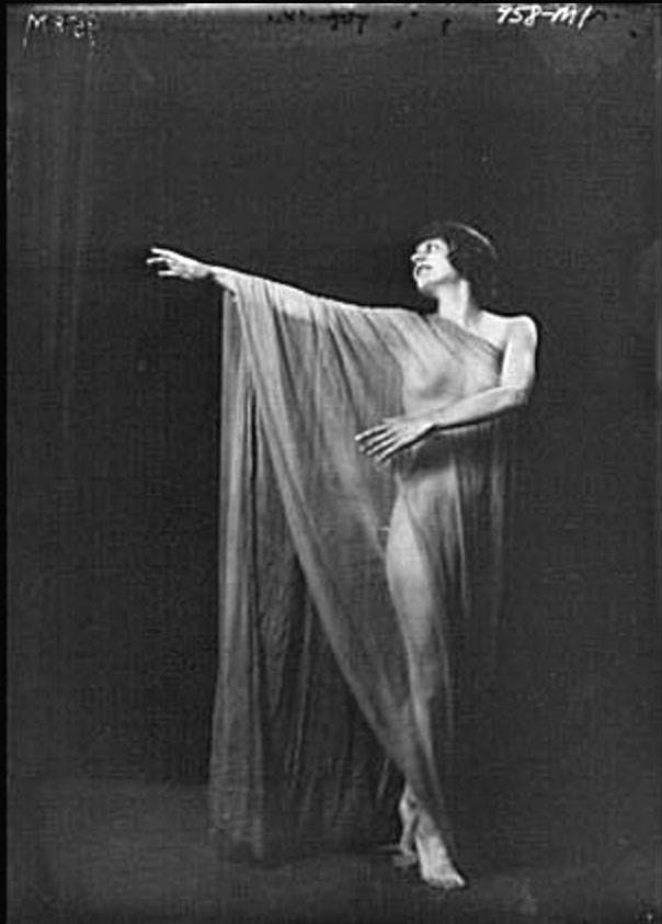 Isadora Duncan: sublime innovatrice della Danza e la sua incredibile vita