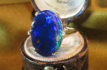 L'Opale della Contessa di Castiglione è tra le prime 5 pietre più maledette del mondo…