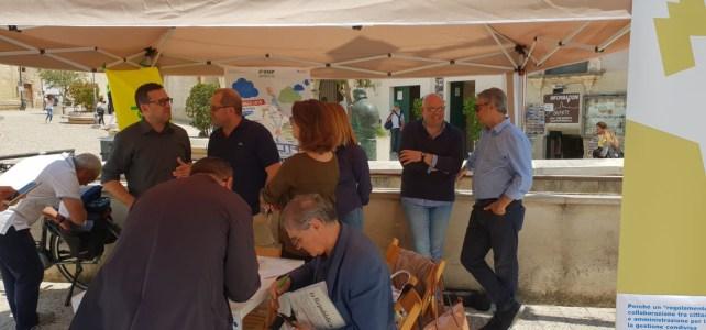 Insieme per i Beni comuni. Raccolta firme in piazza Vittorio Veneto
