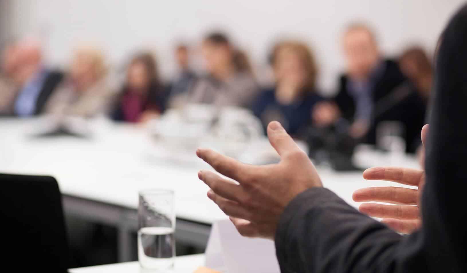 organizzare una riunione in soli 5 minuti e senza preoccupazioni