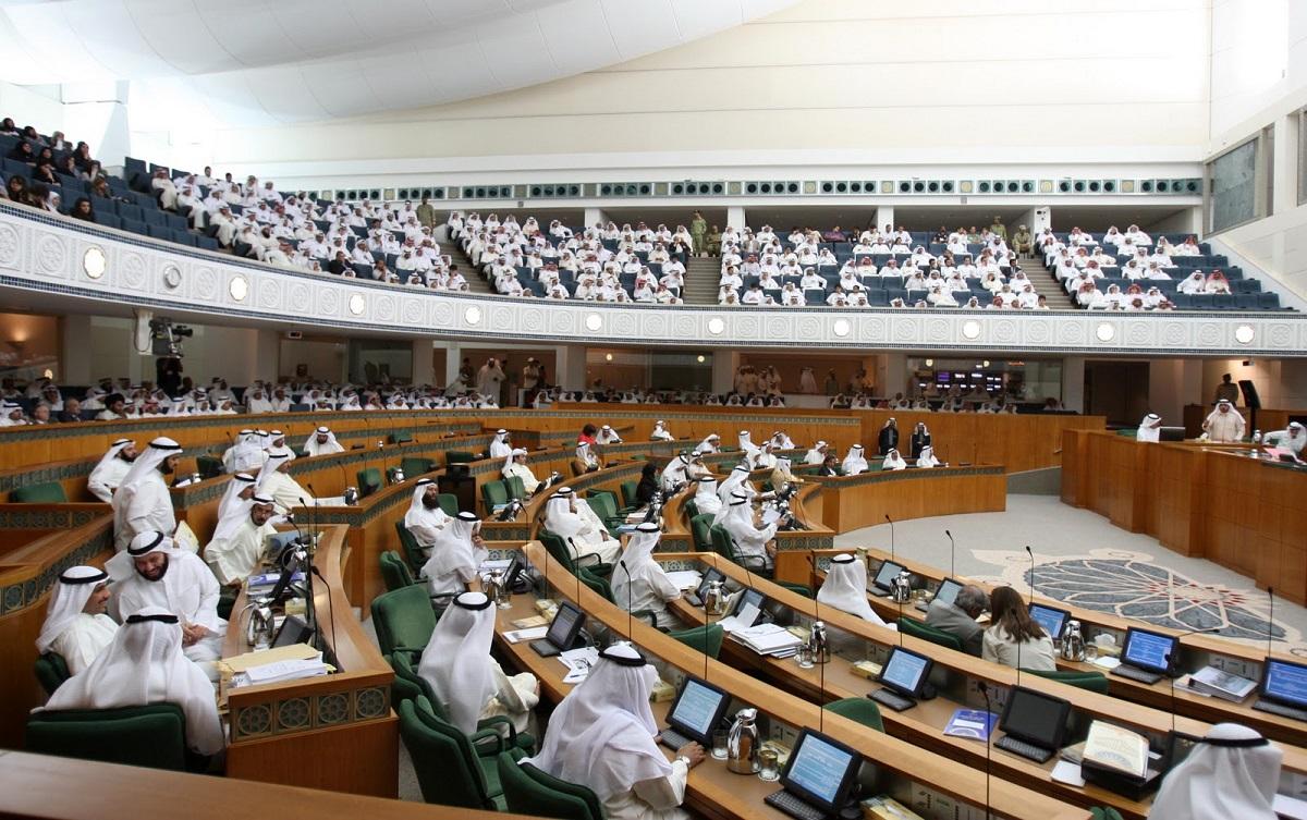 الكويت على مفترق طرق