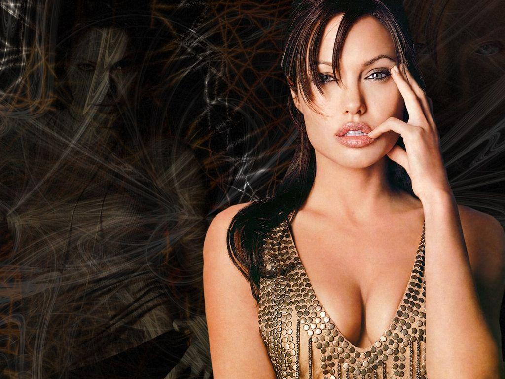 تأثير جراحة أنجلينا جولي في النساء
