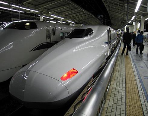 لندن تدعم تطوير خط سريع للقطارات