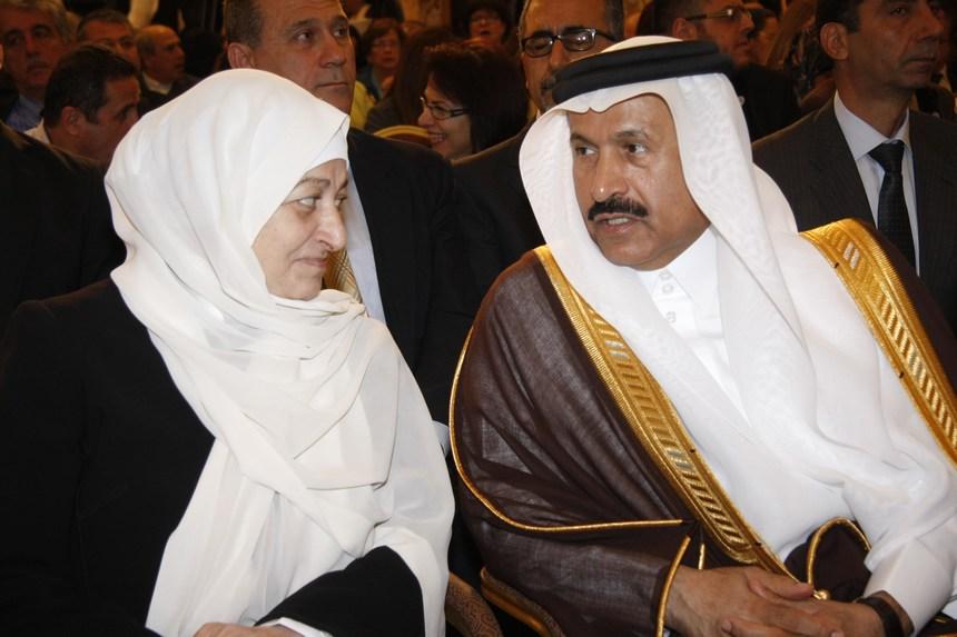 السفير السعودي علي عواض عسيري والنائبة بهية الحريري