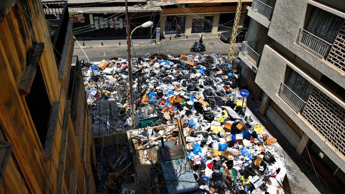 أزمة القمامة ومستقبل لبنان السياسي