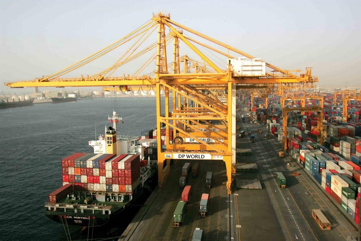73 مليار دولار تجارة الإمارات غير النفطية
