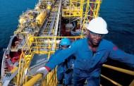 أسعار النفط المضطربة تحثّ على إصلاحات في البنية التحتية وبرامج الدعم