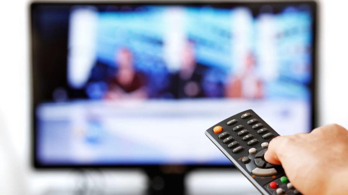 أفيون المجتمع التلفزيوني