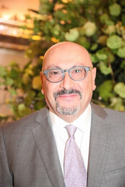 سفير فلسطين البروفسور مانويل حساسيان