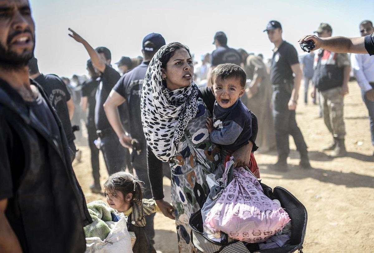 اللاجئون السوريون: عبء آخر على الإقليم