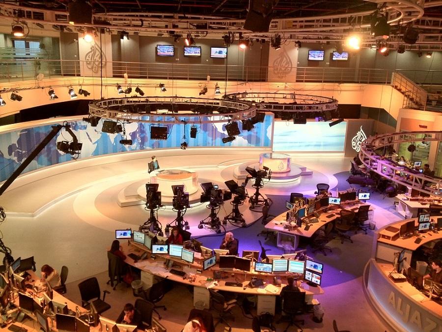 """الفضائية القطرية """"الجزيرة"""": أضرت كثيراً بعلاقات الدوحة العربية"""