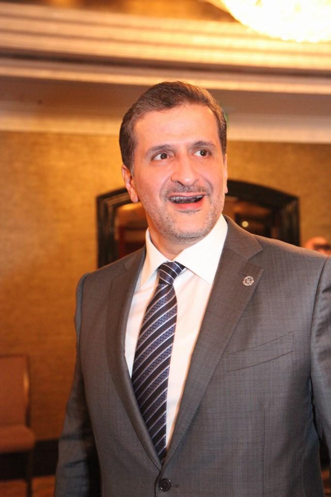 السفير القطري يوسف بن علي الخاطر