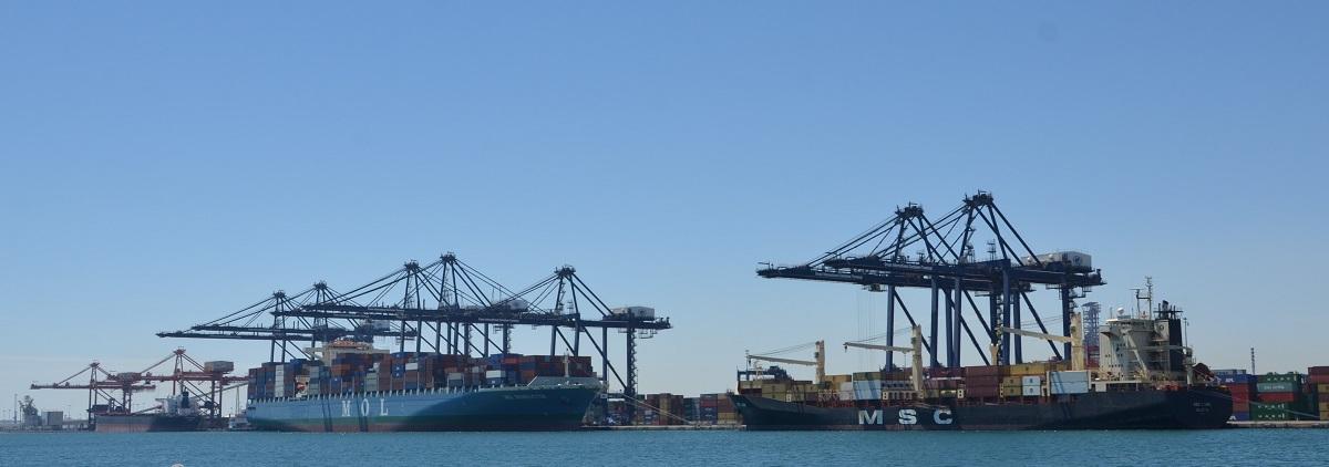 ميناء صحار: إستثمارات ضخمة لتطويره