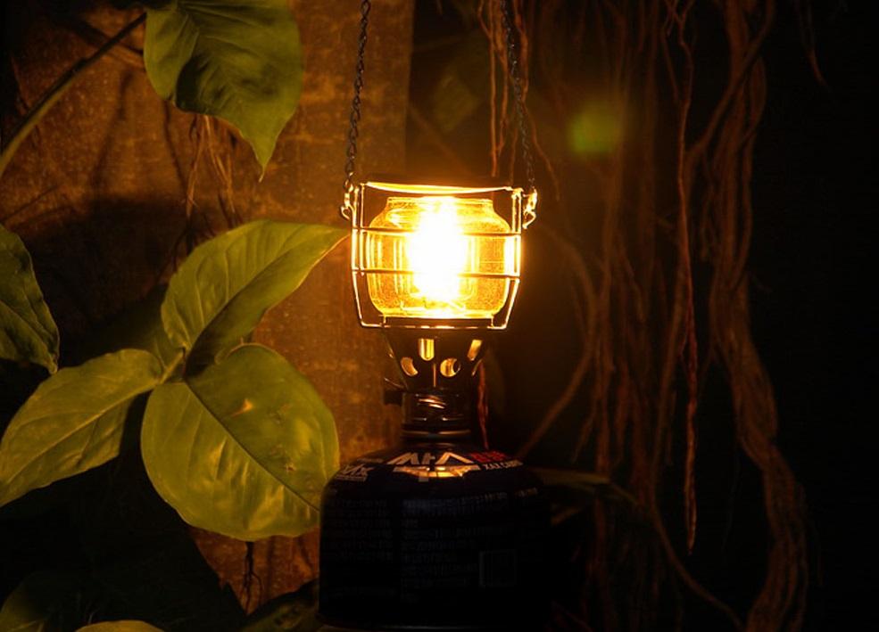 مصباح بحجم العتمة