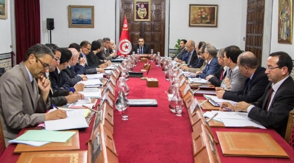 تونس: الصعود إلى الهاوية