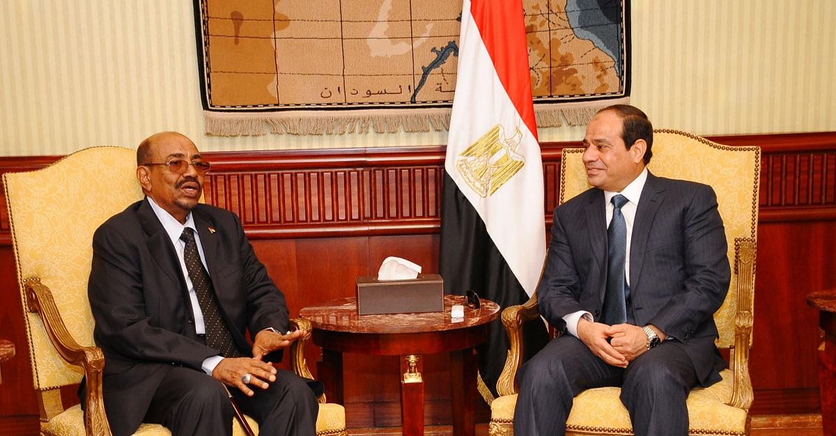 النزاع المصري - السوداني المتصاعد على الحدود: لماذا لا يستطيع السيسي أن يفقد مثلث حلايب
