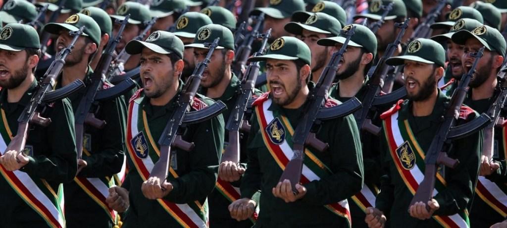 الحرس الثوري الإيراني يسعى إلى تشديد سيطرته على الإقتصاد مع عودة العقوبات
