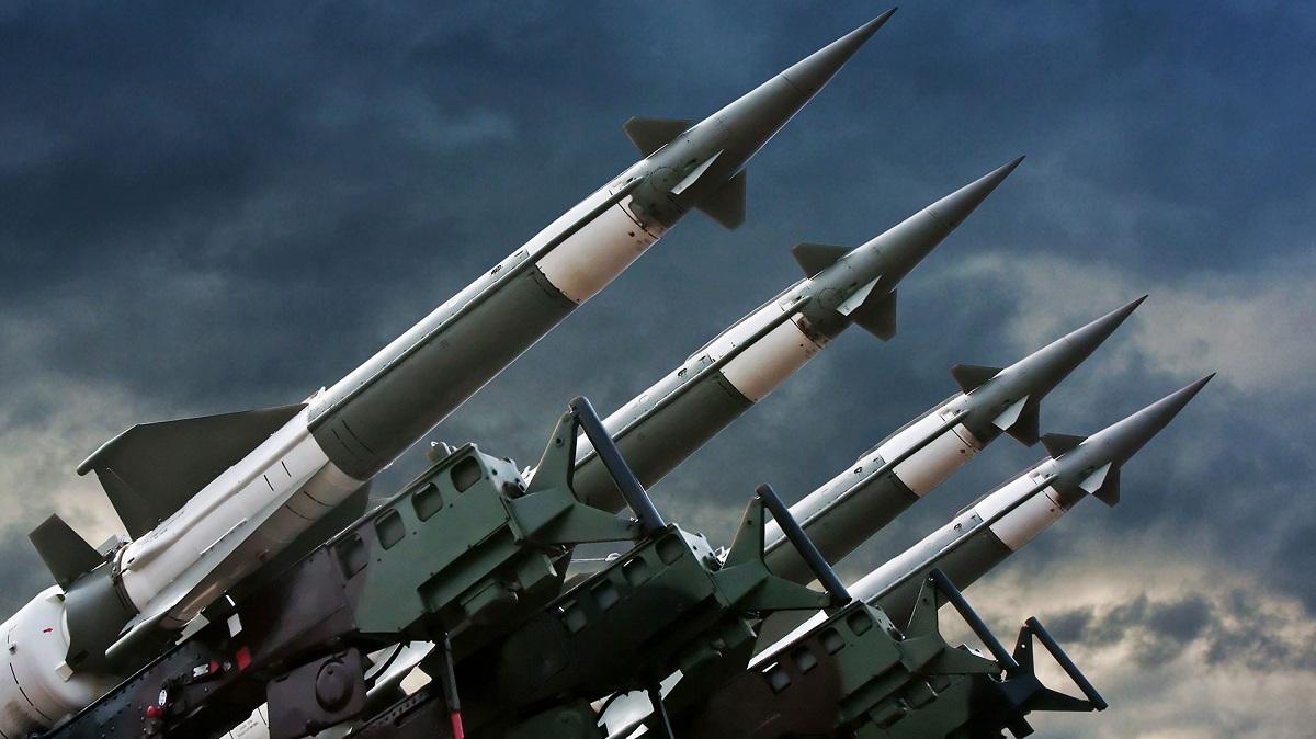 تكنولوجيا التسلح في عالم مضطرب: نهاية عصر المتفجرات، ومستقبل أسلحة الليزر